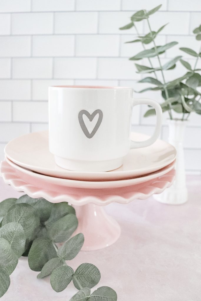 7 Best Budget-Friendly Valentine's Day Decor